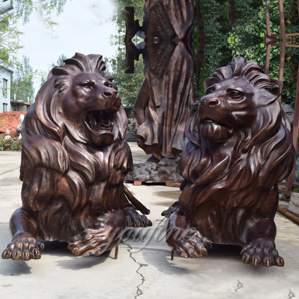 Abstract bronze lion statue for garden