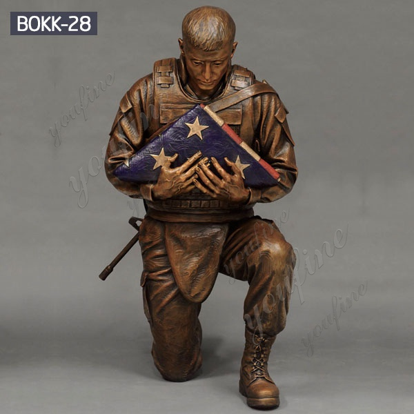 Military Casting Bronze Kneeling Soldier Statue Garden Ornaments Supplier BOKK-28