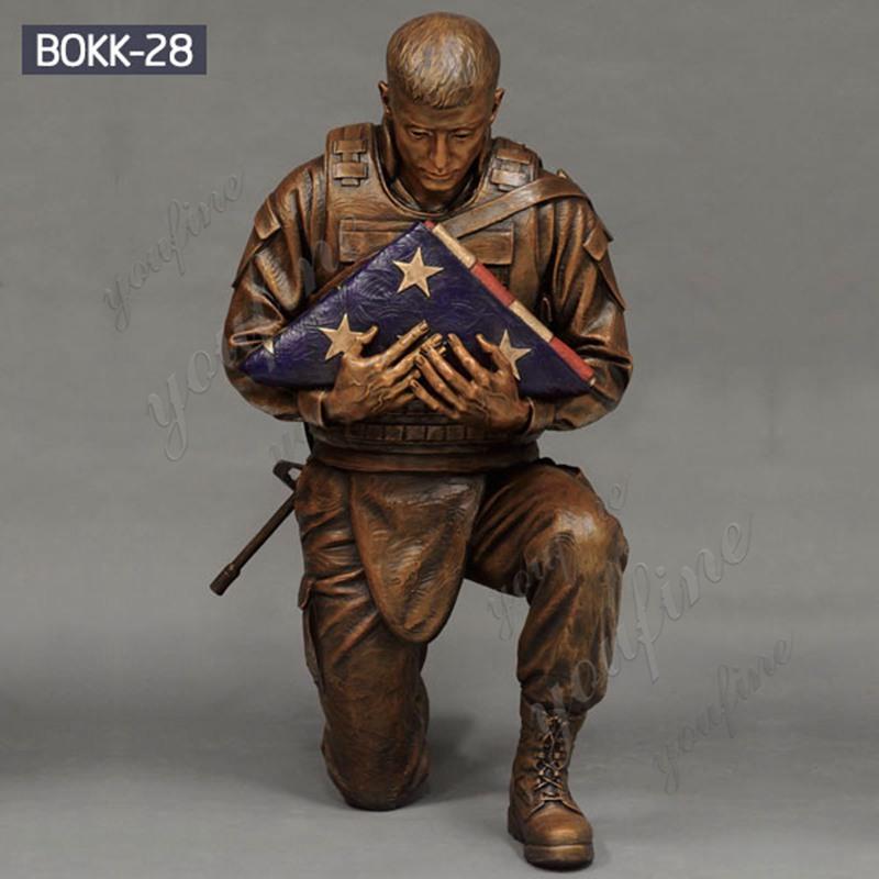 Military Casting Bronze Kneeling Soldier Statue Garden Lawn Ornaments Supplier BOKK-28