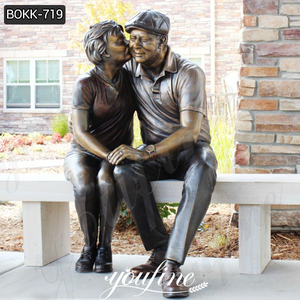 Custom Bronze Statue Old Couple Kissing Statue for Sale BOKK-719